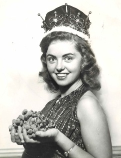 1st-grape-queen-1952-1984-86-1-copy