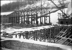 photo 5 F1998-442-251 Decew 1 extension with trusses